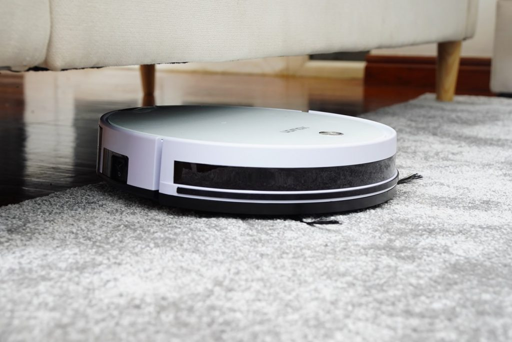 Best Robot Vacuum For German Shepherd